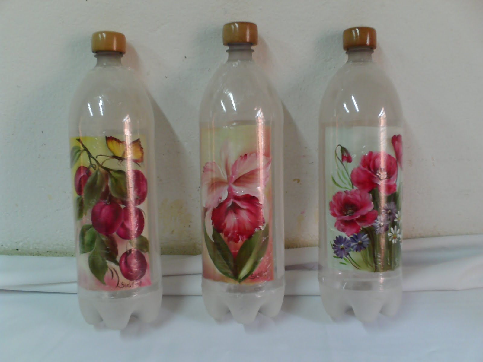Como fazer garrafas de vidro coloridas Guia das mulheres Guia das  #733133 1600x1200